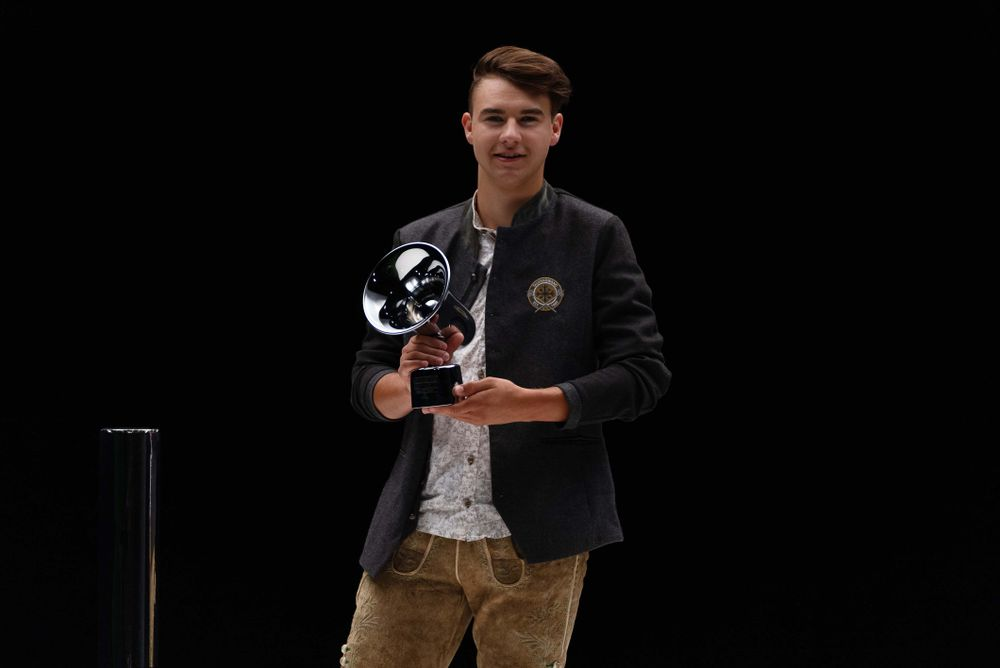 Chris Steger erhält den Amadeus in der Kategorie Song des Jahres (c) Julian Schmidt